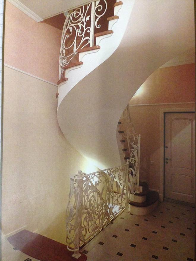 Достоинства бетонной лестницы в частном доме