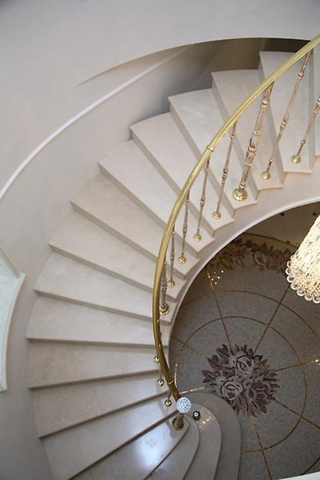Отделочные материалы для лестниц