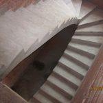 Монолитная П-образная лестница с забежными ступенями, без поворотной площадки, ул. 1й пер. Интузиастов.