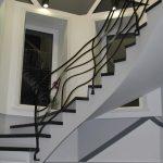 Монолитная лестница с забежными ступенями, ул. Российская 15-16 эт