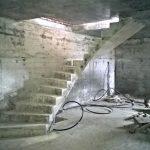 бетонная Ломанная лестница с разворотной площадкой, пр.Димитрова.