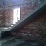 Бетонная Г образная лестница с площадкой.Заельцовский район, ДНТ Удача
