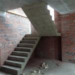 Монолитная бетонная лестница с площадкой. ДНТ Морские просторы